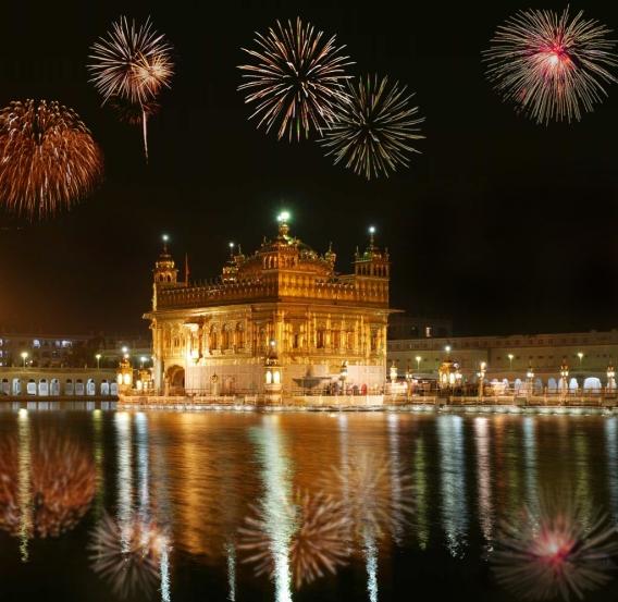 golden-temple-fireworks